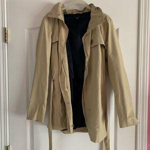 Tommy Hilfiger tan hooded trench coat/rain jacket
